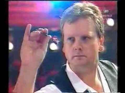 pinky extended grip-rod harrington dart grip