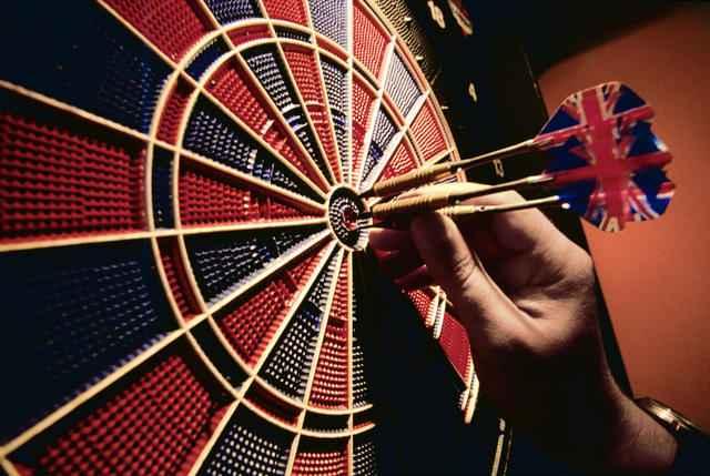 play-darts